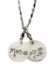 mom-s-name-charm-necklace-8