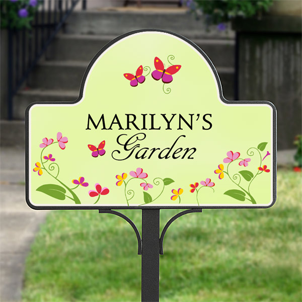 Garden Yard Stake Magnet – Personalized – Floral Welcome