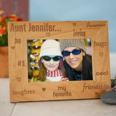 Have a favorite aunt?  Then let her know with this adorable favorite aunt picture frame!