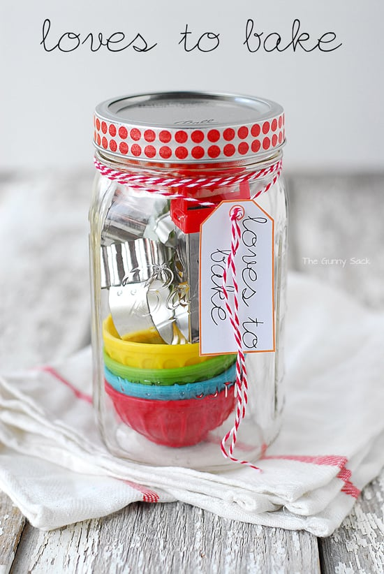 Cute Mason jar for the baker - perfect for the Mom or Grandma who loves stirring up a cake or batch of cookies!