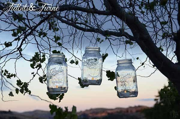 Adorable Mother's Day mason jar gift is 2 fabulous gifts in one - a manicure kit that can be used as a lantern!