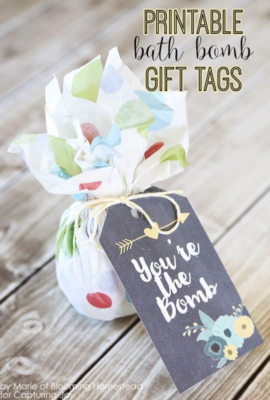 Here's another cute bath bomb gift tag that you can print at home!
