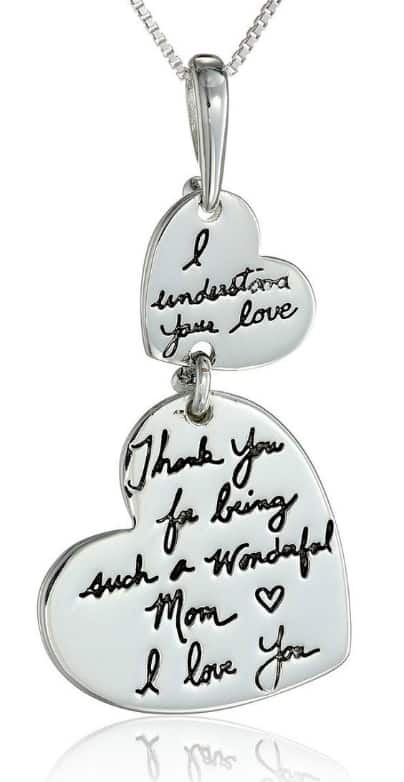 How sweet is this sentimental Mother's Day necklace for Mom?  What a wonderful way to thank mom for everything she does!