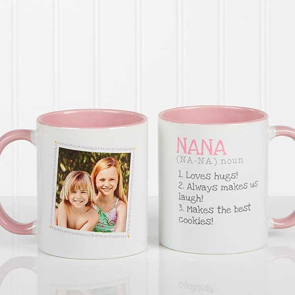 Nana Coffee Mugs - Looking for an inexpensive gift for Nana?  A personalized coffee mug is a fun little present that she'll love using every day!  #nanalife  #nana #mothersdaygift #giftsforher