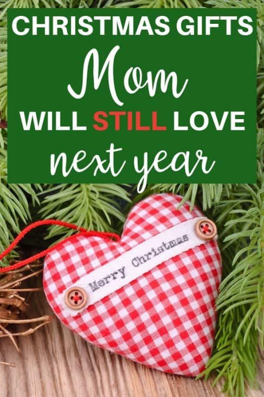 Christmas Gifts for Mom - Looking for fabulous Christmas gift ideas for your Mom? Thrill her with one of these delightful Christmas presents...click to see 30+ Christmas gifts that Mom will treasure forever! #giftsforher #Christmasgifts