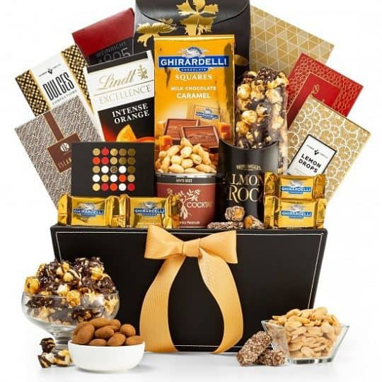 Gourmet Gift Baskets - Delight the foodie in your life with this selection of gourmet snacks.